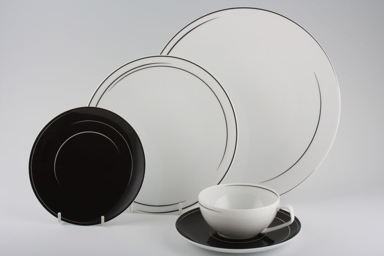 buy rosenthal tac gropius dynamic black 4 lines in stock plates tea. Black Bedroom Furniture Sets. Home Design Ideas