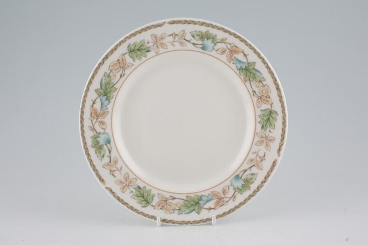 Royal Doulton - Harbury - T.C.1187 - Starter / Salad / Dessert Plate