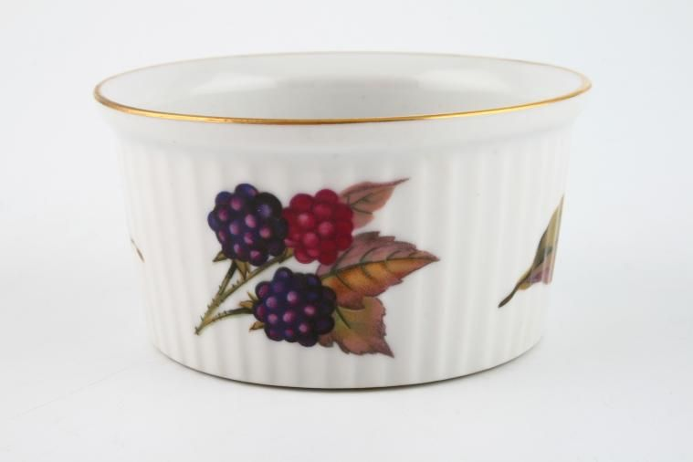 Royal Worcester - Evesham - Gold Edge - Ramekin - Gold around top rim - blackberry and leaf